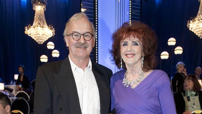 Elisabet Höglund tillsammans med maken Bosse. Foto: OLLE SPORRONG