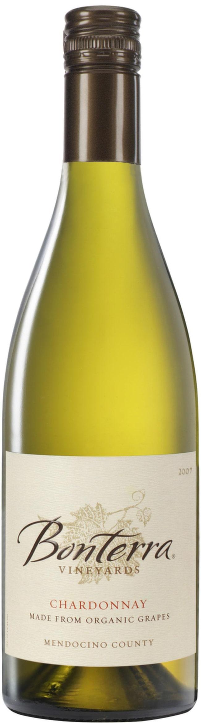 """Bonterra Chardonnay 2011 (16632) USA, 135 kr <br><span class=""""wasp-icon""""></span><span class=""""wasp-icon""""></span><span class=""""wasp-icon""""></span><span class=""""wasp-icon""""></span><span class=""""wasp-icon""""></span><br>Ekologiskt vin med stilfull karaktär. Ganska smakrikt med lätt rostade toner, tropisk frukt, smör och lite vanilj. Gärna till en kalvkotlett."""