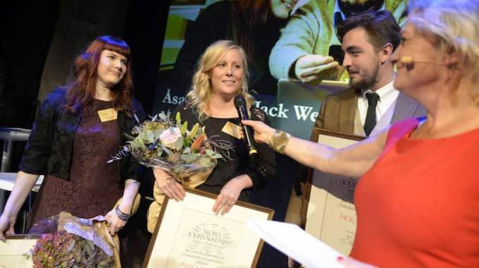 """Åsa Larsson.. Linnéa Jonjons och Jack Werner tilldelades pris som """"Årets förnyare"""". Foto: Anna-Karin Nilson."""