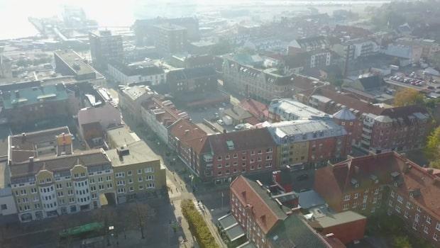 I skuggan av Malmöskjutningarna: Kriminella försöker ta över småstad