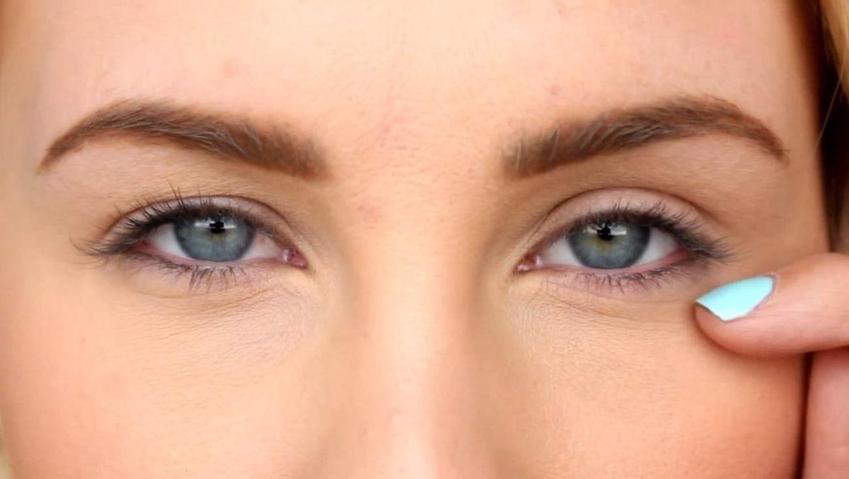 ögonlock som hänger