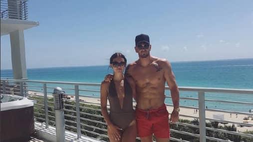 Emily Lock och Mark Price i Miami. Foto: CROWN PROSECUTION SERVICE/WALES NEWS