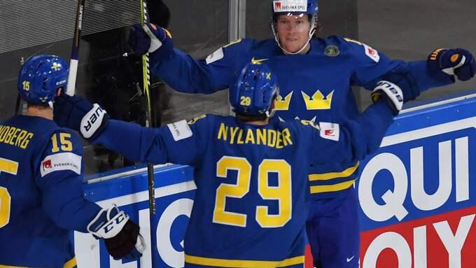 Nylander och Bäckström jublar Foto: ALEXEY KUDENKO