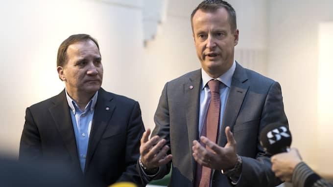 Statsminister Stefan Löfven och inrikesminister Anders Ygeman (S). Foto: THOMAS JOHANSSON/TT / TT NYHETSBYRÅN
