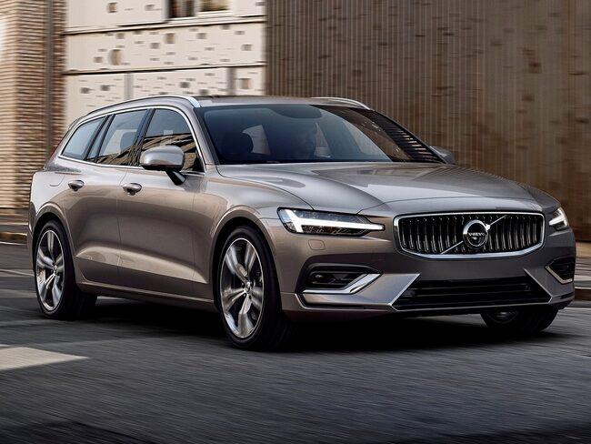 Volvo V60 presenterades inte på någon bilsalong, utan på en garageuppfart i Stockholm.