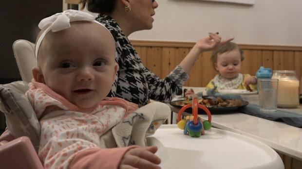 Yilaini, 28, födde sin dotter hemma i köket