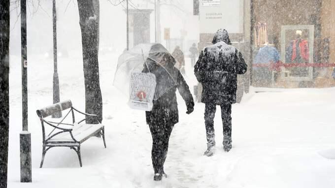 Mycket snö väntas på vissa delar av Sverige under dagen. Bilden är tagen vid ett annat tillfälle. Foto: STEFAN SÖDERSTRÖM
