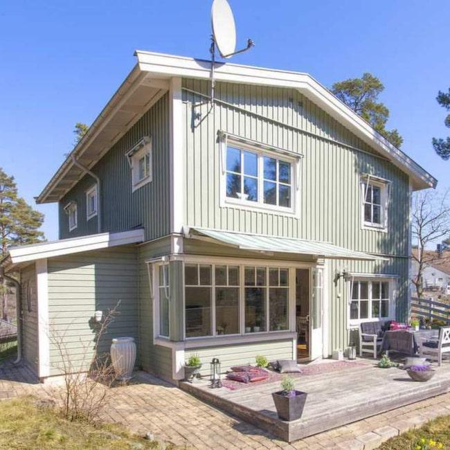 På utsidan ser villan på Skyttevägen i Satlsjöbaden ut som vilket hus som helst...