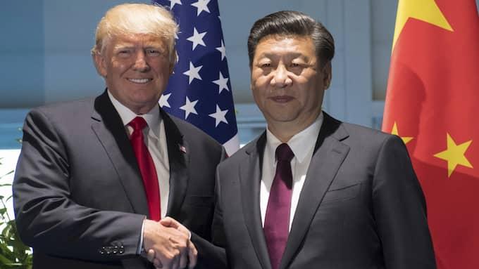 President Xi Jinping är den mäktigaste kinesiska ledaren sedan Mao och Deng, skriver Gunnar Wetterberg. Till vänster ses den problematiska, men ändock demokratiskt kringskurna, president Trump. Foto: SAUL LOEB / AP TT NYHETSBYRÅN