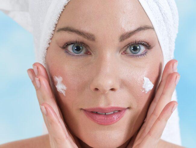 <span>Med ökad ålder kan det vara bra att byta ut hudkrämen till en fetare variant.</span>