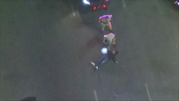 Vild biljakt slutade med att föraren kastade sig ur bilen