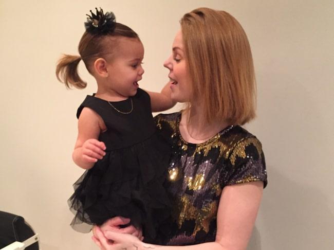 <span>Monica Myrstrand är gravid i 16:e veckan. Nu tillåter SAS att hon avbokar sin resa till zikadrabbade Puerto Rico. De flyger i stället till Orlando i Florida. Dottern Ava, 1 år, ska också åka med.</span>