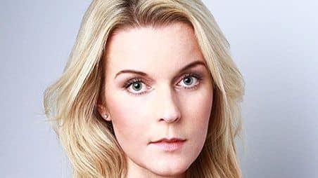 Advokaten Emma Persson som skrivit under uppropet säger att hon blir väldigt ledsen av att läsa de många vittnesmålen om övergrepp i branschen. Foto: Pressbild