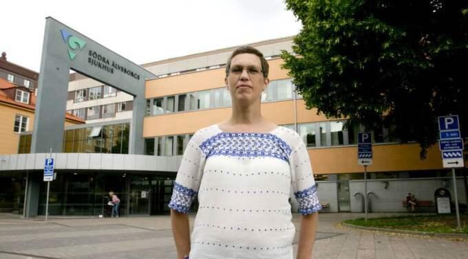 tungt jobb. Sjuksköterskan Sofia Persson menar att sjukhusledningen känt till hålen i sommarschemat länge - utan att vidta åtgärder. Foto: Lennart Rehnman Foto: Lennart Rehnman