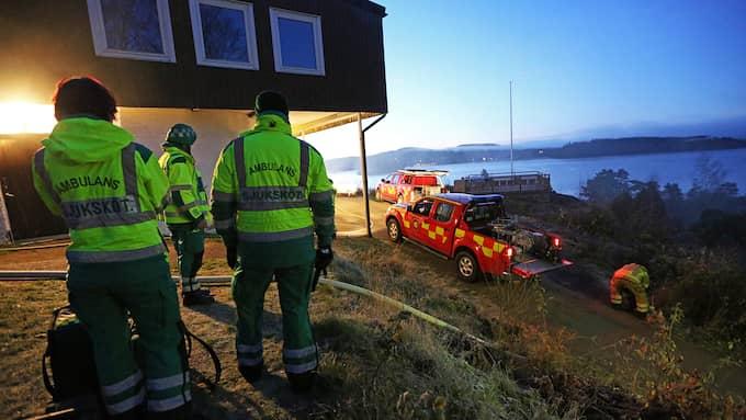 Det var på Ulvön utanför Ljungskile i Uddevalla kommun som en man dog. Nu misstänker polis två män för mord. Foto: ROBERT BETZEHAG/RESCUE PHOTO