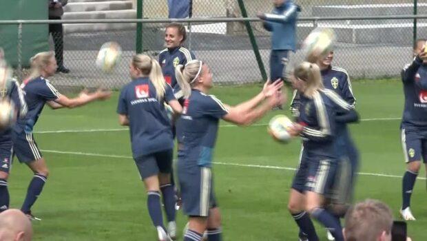 Sveriges position i damfotbollens världstopp är hotad