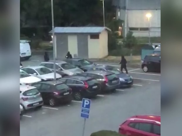 Här slår maskerade gänget till på parkeringsplatsen