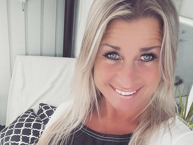 Annika Bengtsson från Halmstad fixa nytt badrum för under 1000 kronor...