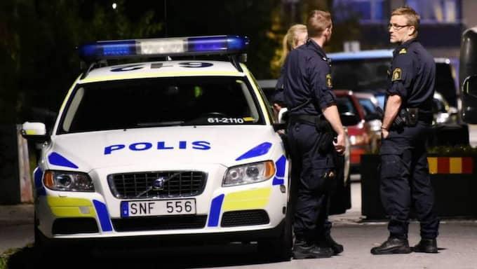 Polisen fick strax före halv tolv på söndagskvällen larm från flera personer som ringde och berättade att en man blev utsatt för misshandel. Foto: Patrick Persson
