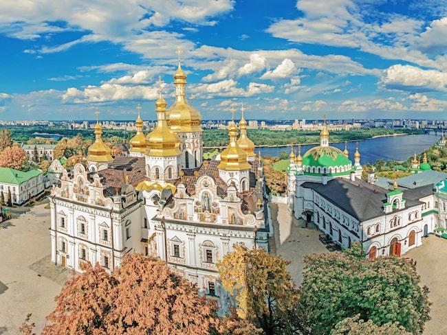 Petjerskaklostret även känt som Grottklostret i Kiev är ett ortodoxt kloster och ligger på första plats över saker att göra i Kiev på ressajten Lonely Planet.