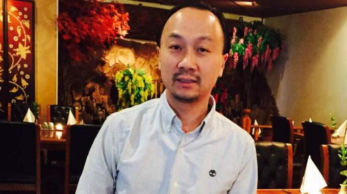 Alex Hong, 42, är restaurangägaren som skänker lunchkassan till flyktingar. Han vet själv hur de har det. Foto: PRIVAT