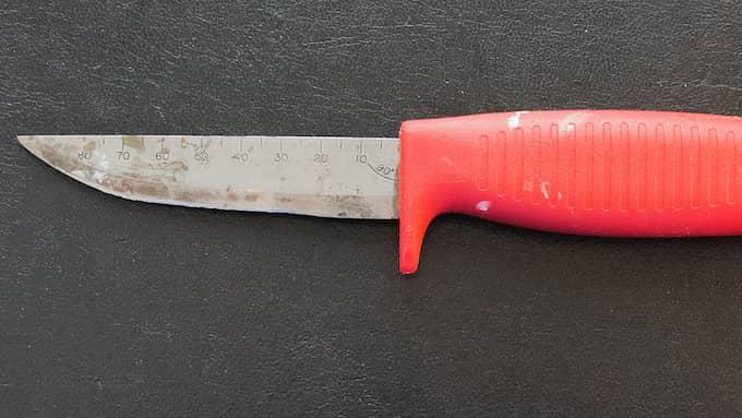 Den här Morakniven fick Lars Sjöholm med sig på planet till Bali. Foto: Lars Sjöholm/Privat