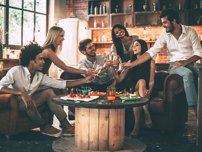 Alla typer av bord är välkomna, så länge hela sällskapet får plats.