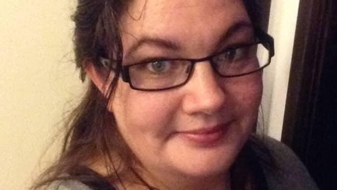 Charlotta Gunnarsson blev utsatt för en bedragare och fick en räkning på kläder för 4000 kr som hon inte hade beställt. Foto: Privat