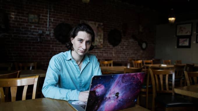 Guillaume Chaslot som tidigare jobbade på Google varnar för att Youtubes algoritmer enkelt kan manipuleras för att påverka höstens riksdagsval. Foto: Talia Herman