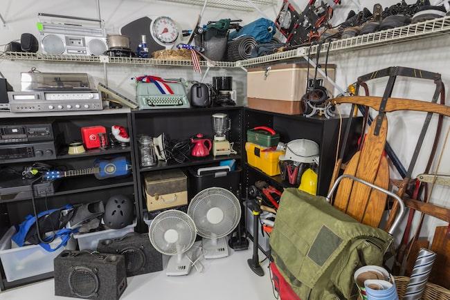 Svensken har enligt ny undersökning oanvända prylar för 30 00 kronor i sina hem.