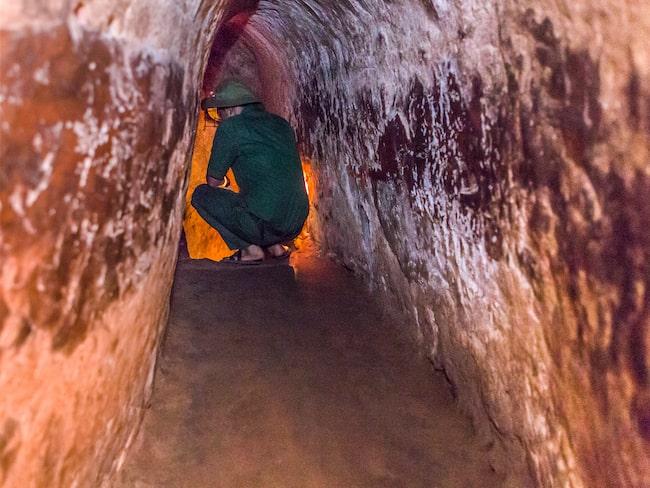 Tunnel grävd under kriget - nu utvidgad för att turister ska kunna komma ner i den.