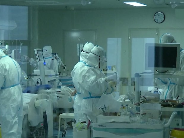 Läkare behandlade sjuka i coronaviruset –dog