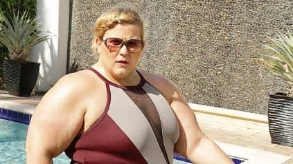 Hotellpersonalen ville inte att hon skulle gå runt i bikini. Foto: Instagram