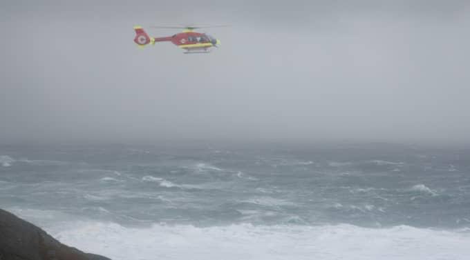 Här söker räddningshelikoptern efter de saknade normännen. Foto: Gunnar Kvassheim, Dalane Tidende