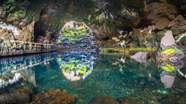 Besök grottor och delvis nedrasade vulkantunnlar på nordöstra Lanzarote.