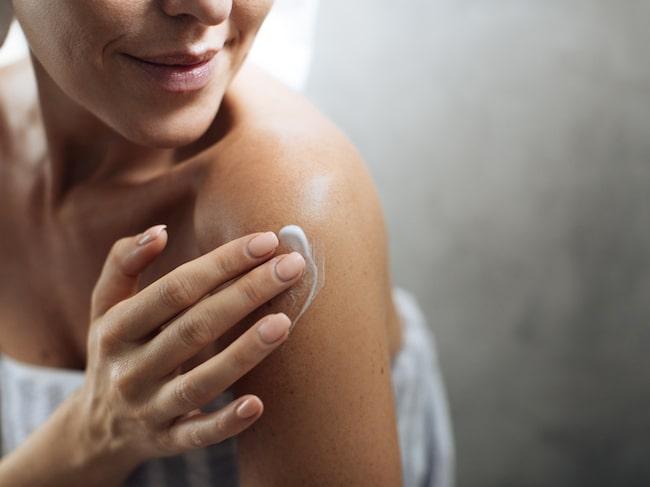 Hälsoliv har testat återfuktande bodylotion vars doftintryck kommer ta dig långt från regn, rusk och vardag.