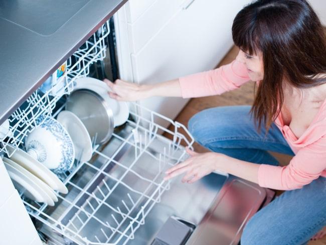 Diskmaskinen är mångas bästa vän där hemma. Men se till att du inte gör de vanliga misstagen – då kommer du älska diskmaskinen ännu mer!