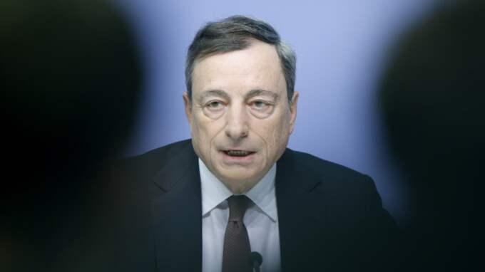 """""""Super-Mario"""" Draghi, den mäktiga chefen för den Europeiska centralbanken, gör än en gång skäl för sitt smeknamn. Foto: Michael Probst"""
