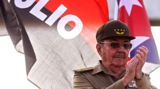 Raul Castros Kuba är ett exempel på ett land som inte bör få stöd/partinära bistånd, enligt Fredrik Malm (FP). Foto: Sven Creutzmann/Mambo Photo