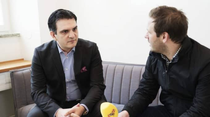 Försäkringsdirektör Dani Razmgah informerade aldrig om att kvinnan han anställt var sambo med hans son. Ändå anser han inte att han brutit mot jävsreglerna. Foto: Olle Sporrong