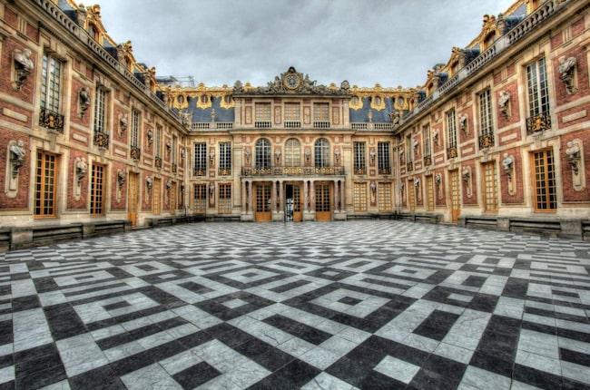 Ludvig XIV:s slott Versailles är ett av Frankrikes största turistmål.