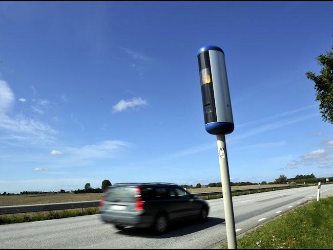 Fartkamera, eller trafiksäkerhetskamera som Trafikverket kallar dem. Här utanför Staffanstorp.