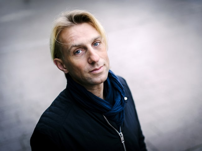 """Anders Hansen, överläkare och psykiater, har skrivit flera böcker om hur fysisk aktivitet påverkar hjärnan, en av dem är """"Hjärnstark."""