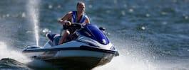 Unga kan förbjudas att köra vattenskoter