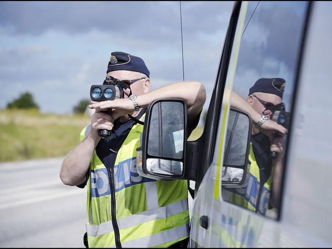 Fartkontroll – en vanlig syn nu på svenska vägarna i och med polisens nationella trafikvecka.