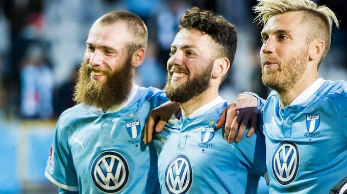 Rasmus Bengtsson var övertygad om att Sverige skulle förlora och valde istället att spela tv-spel med MFF-kollegan Johan Dahlin. Foto: LUDVIG THUNMAN / BILDBYRÅN