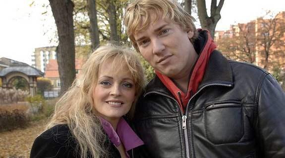 Andreas Sjöberg får stöd av frun Vicky. Foto: Lasse Svensson