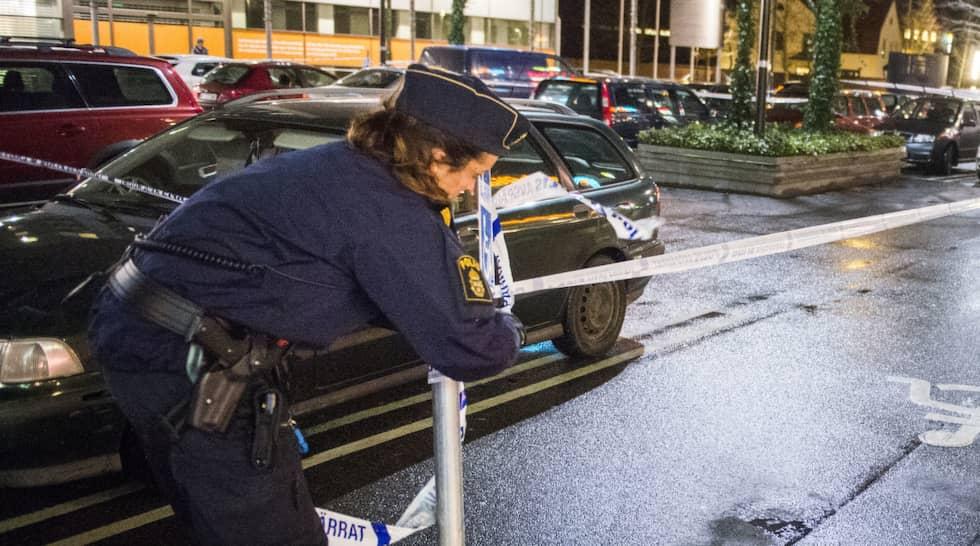 I Malmö sköts gängledaren Ashkan, 30, inne på ett snabbkök. Foto: Christer Wahlgren / © FOTOGRAF CHRISTER WAHLGREN