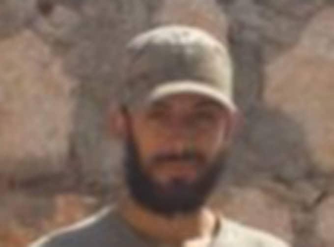 Det finns även fler svenskar med kopplingar till terrorism och jihadism. Här syns Mirsad Bektasevic som har stridit i Syrien för en grupp med IS-kopplingar. Han dömdes till åtta års fängelse för terrorbrott 2008 och här skriven i Göteborg.