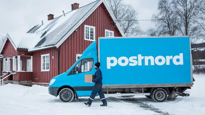 Det är oklart om paket som det inte har betalats moms på kommer att levereras framöver. Foto: Postnord